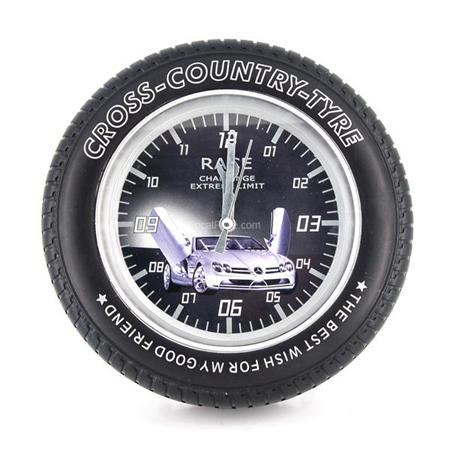Часы с записывающей камерой для детской комнаты