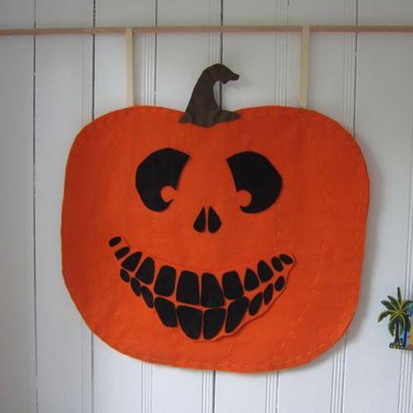 Хэллоуин украшения и декор: рожица тыквы из фетра