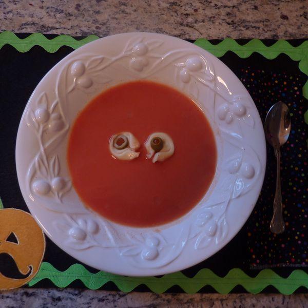 """Хэллоуин украшения и декор: """"Суп с глазами"""""""
