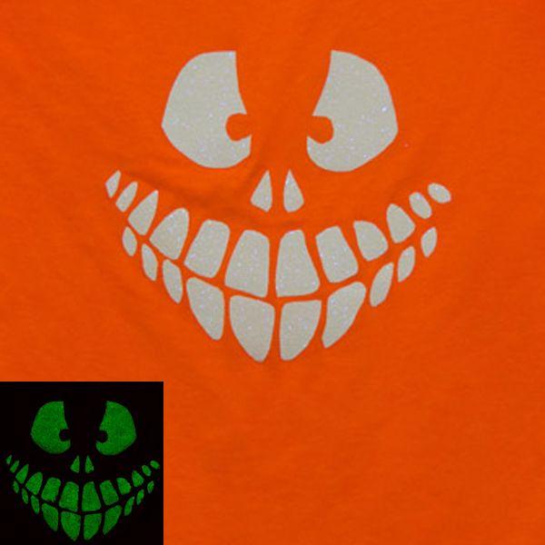 Хэллоуин украшения и декор: страшная светящаяся в темноте рожа на футболке