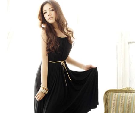 Как носить черные вещи, чтобы выглядеть модно, но не мрачно
