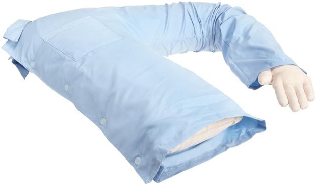 ужасные подарки для девушки: подушка-обнимашка, особенно в виде половинки бойфренда