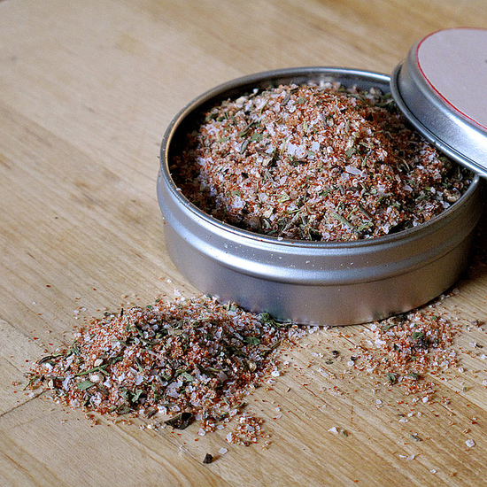Как выглядят рукодельные подарки, интересные вашим близким: наборы смесей для готовки - травы для чая