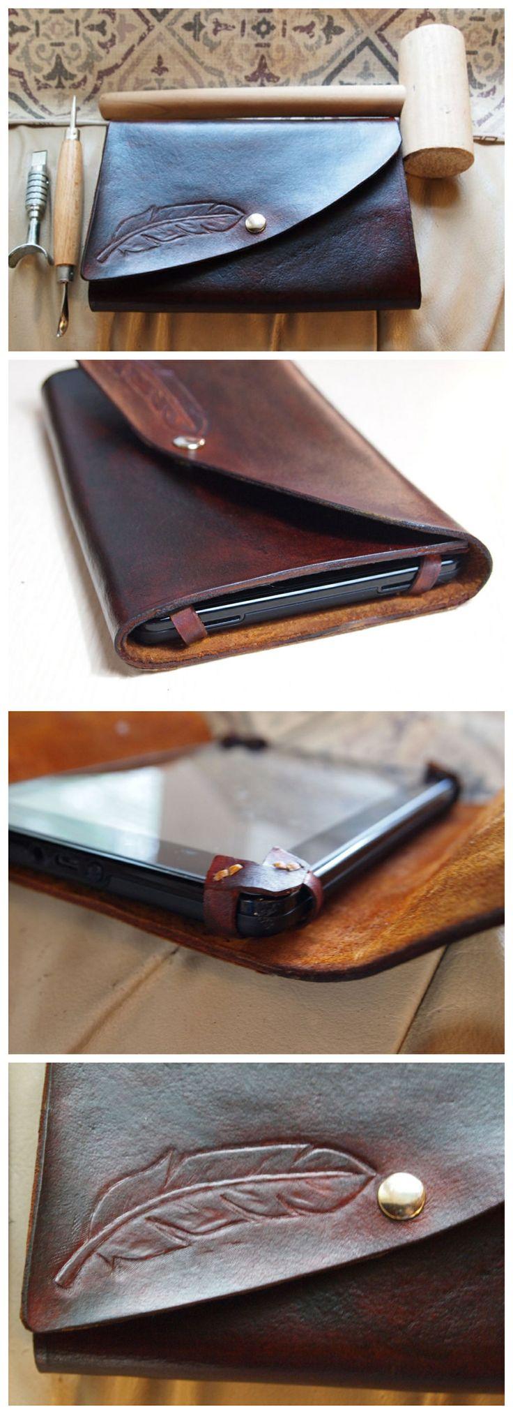 Как выглядят рукодельные подарки, интересные вашим близким: кожаный чехол для планшета своими руками