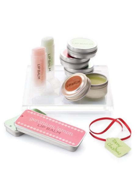 Как выглядят рукодельные подарки, интересные вашим близким: самодельный бальзам для губ