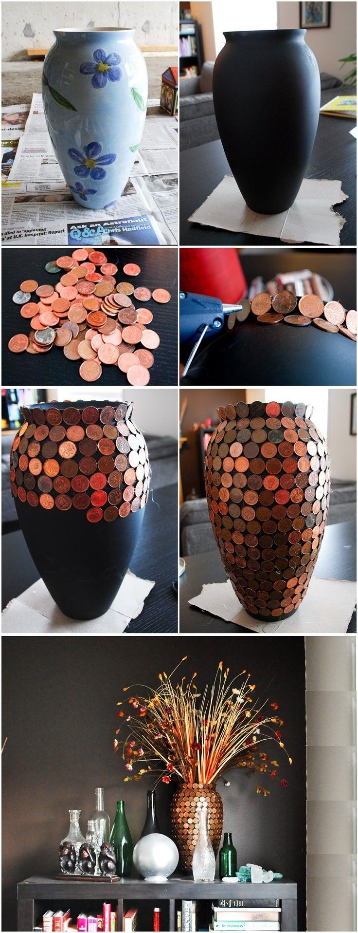 Как выглядят рукодельные подарки, интересные вашим близким: обычная ваза, украшенная монетами