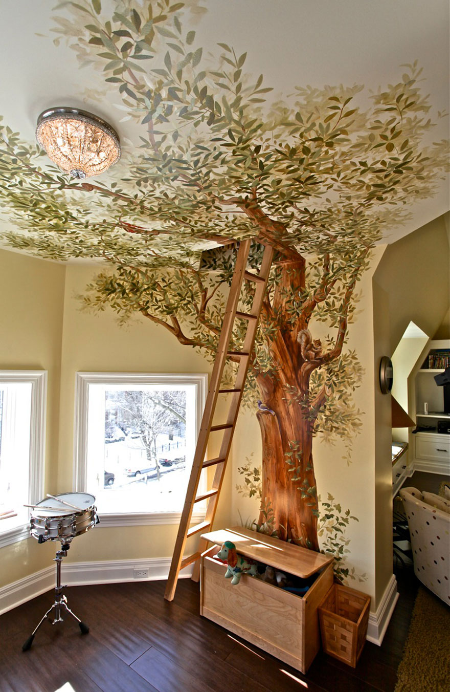 """""""домик на дереве"""" на чердаке дачи"""