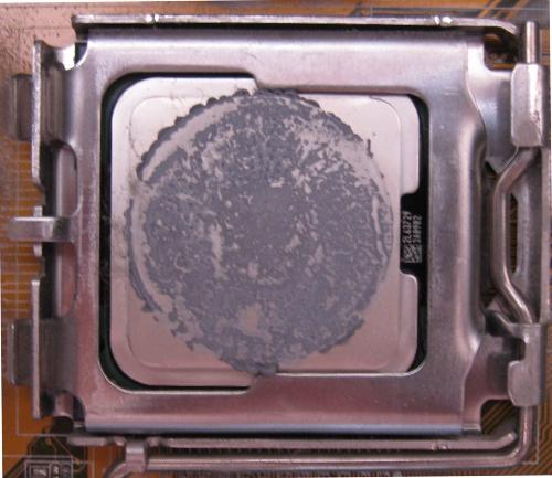 Как сменить термопасту на процессоре?