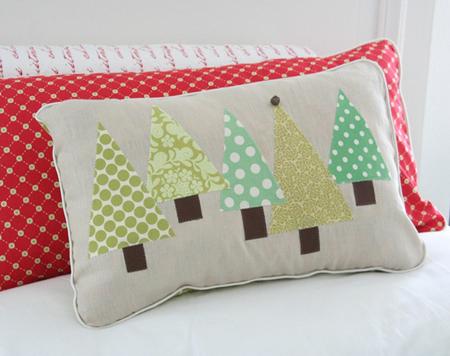Как в два счета смастерить декоративные подушки для новогодней атмосферы