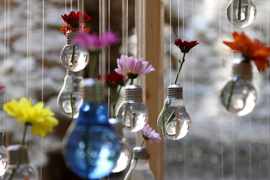 подвешиваемые вазочки из лампочек накаливания
