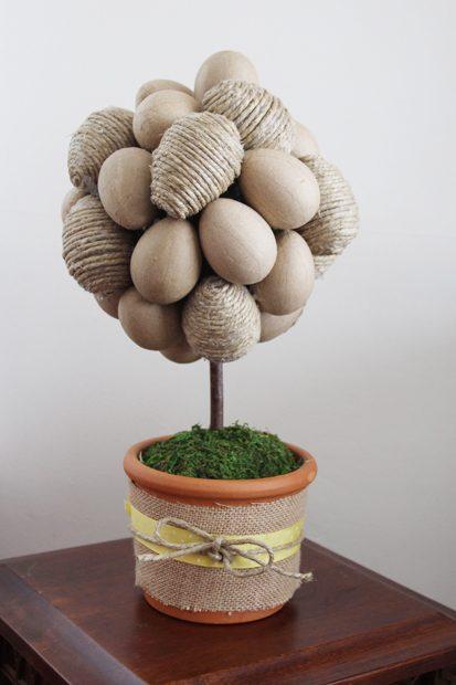 готовое пасхальное яичное дерево-топиарий