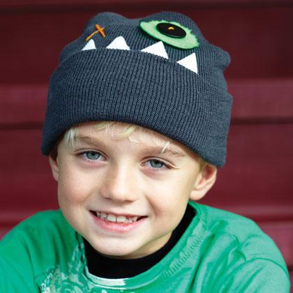 Простая детская шапочка тонкой вязки