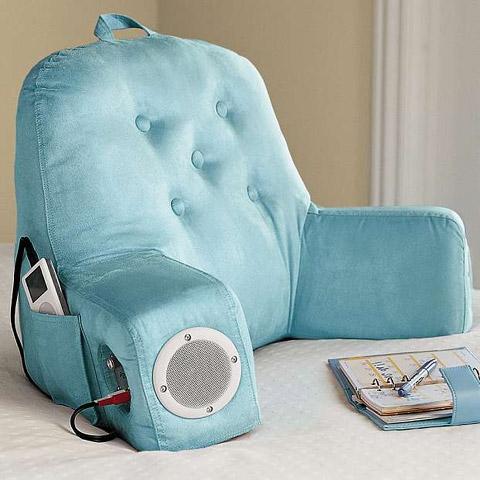 диван - подушка для спины для геймеров со встроенными колонками и портами