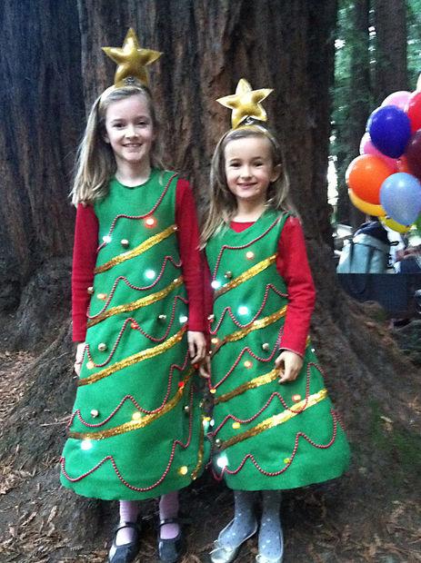 Как сшить для девочки костюм новогодней елочки с подсветкой