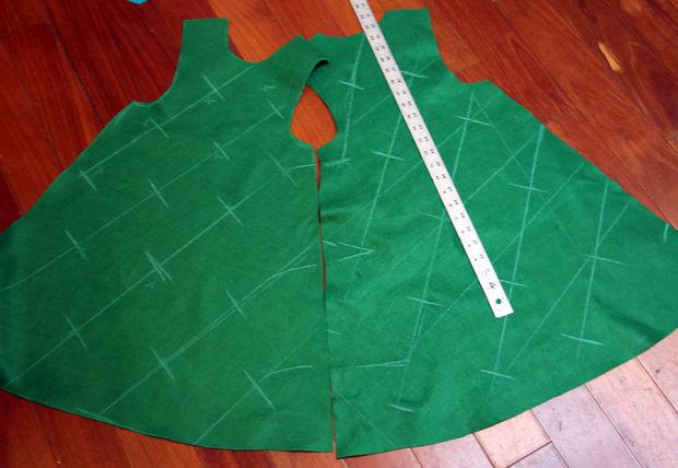 делаем разметку на платье-елочке для нисходящей по диагонали гирлянды