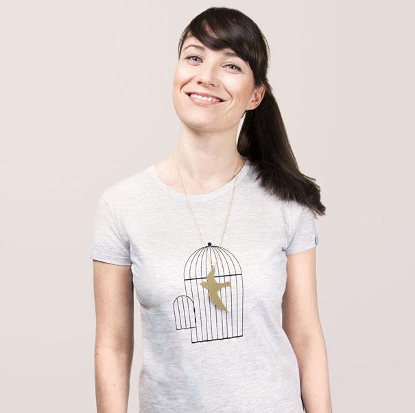самые креативные футболки: с кулонами - свобода и плен птицы, воздух и любовь