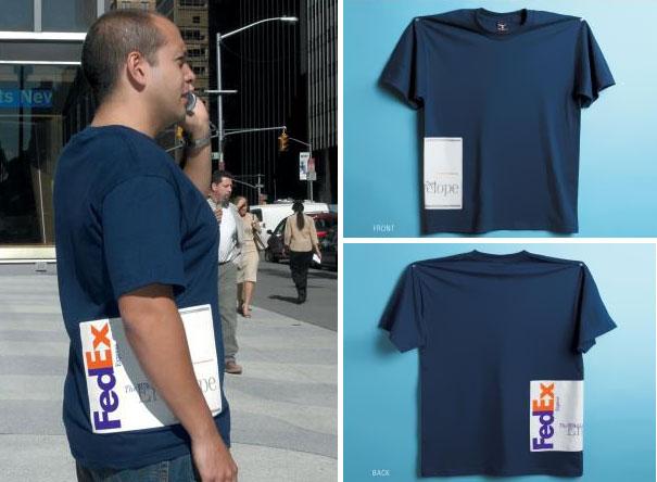 футболка с имитациями посылок в руке - от знаменитых служб доставки