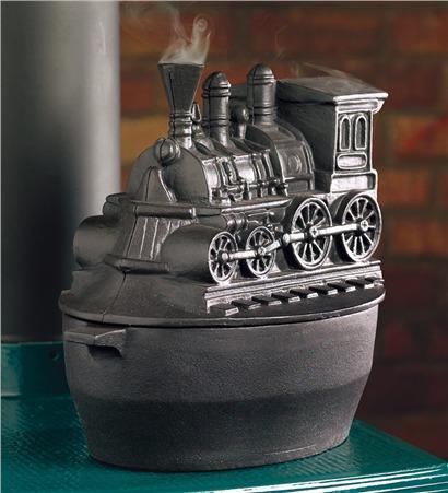 Казанок с фигурной крышкой: дымящий паровоз