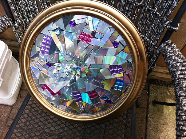 креативно использовать ненужные CD-диски: картина