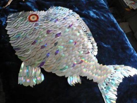 креативно использовать ненужные CD-диски: рыба