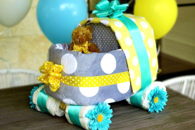 Как сделать коляску из подгузников в подарок на рождение малыша