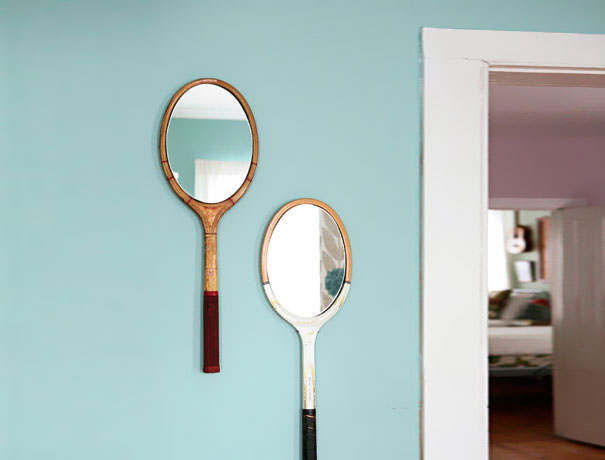 Из теннисных ракеток небольшие настенные зеркала