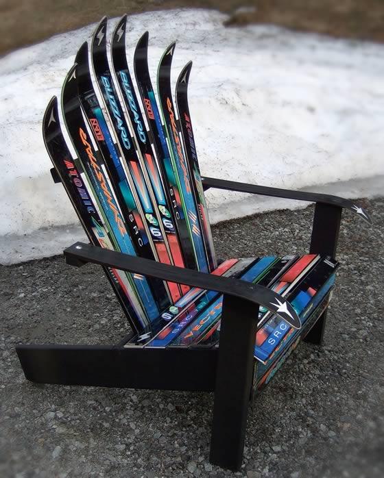 Кресло или скамья из старых лыж