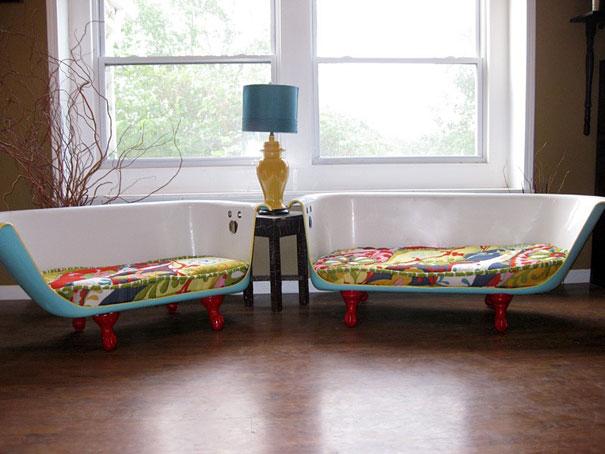 диван из обрезанной ванны