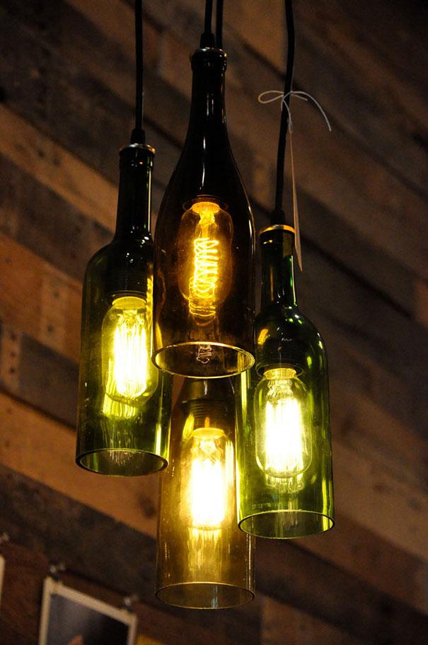 Другие варианты плафонов и модели люстр из бутылок и банок