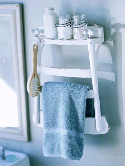 полочка и вешалка для ванной из спинки старого стула