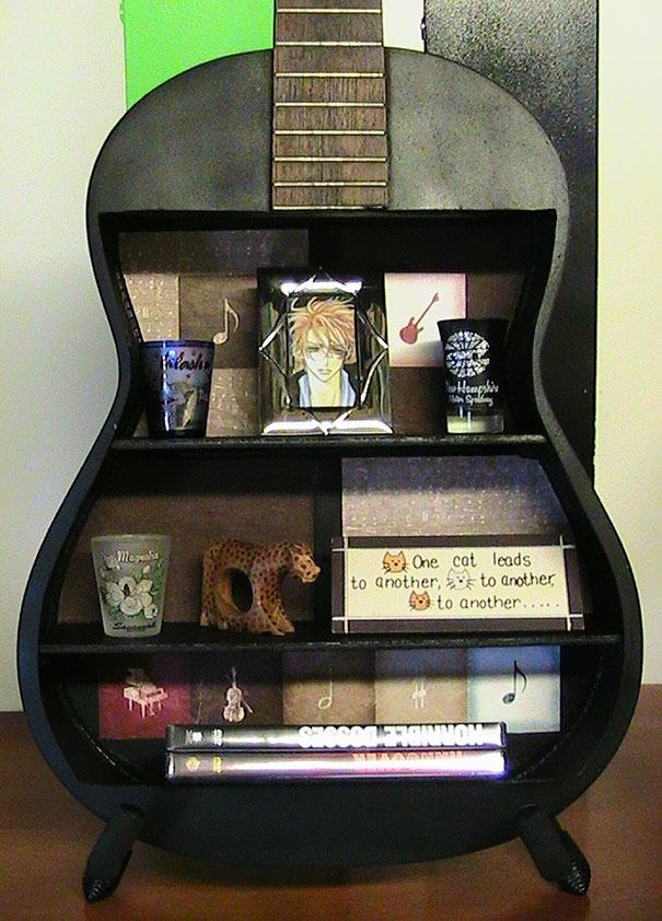 Полки из контрабаса или гитары