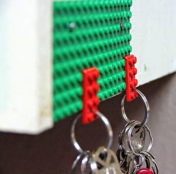 Из старого Лего-набора получаются отличные держатели для ключей с практичными брелками