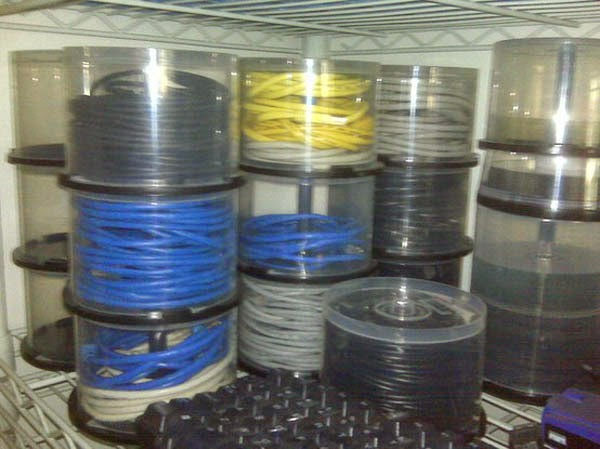 тара для проводов и кабелей из кейса из-под CD или DVD болванок