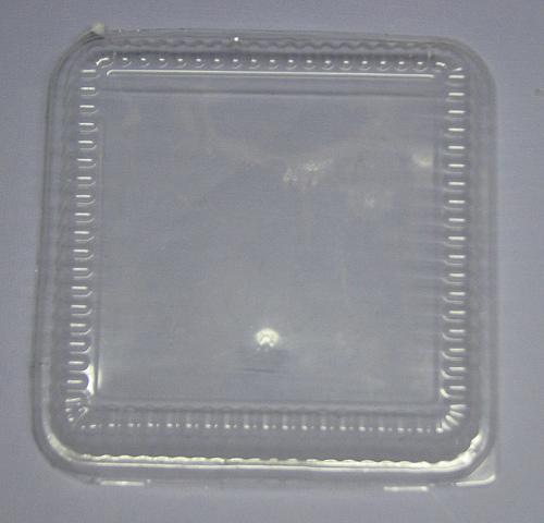 пластик 6-го типа – прозрачный пластик, в который в виде коробочек с рифлеными боками часто пакуют печенье, торты (крышки от упаковки тортов), выпечку, салаты и прочее