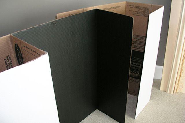 сложим колонны декоративного камина из картона с его задником
