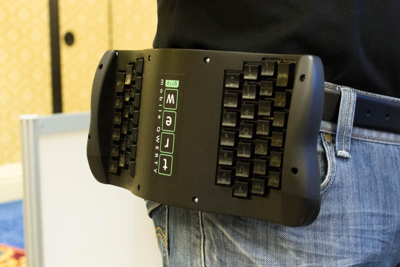 TREWGrip: клавиатура для планшетов и смартфонов на ремне