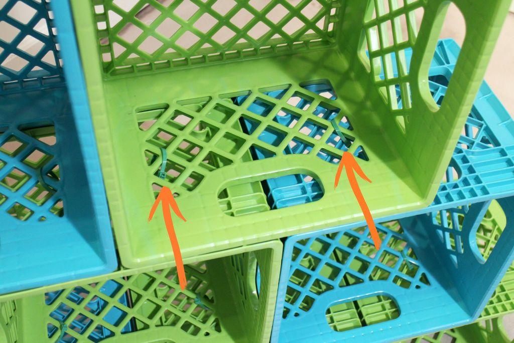 Как сделать новогоднюю елку своими руками: елка из цветных пластиковых ящиков - инструкция в картинках, пошаговая - скрепляем ящики пластиковыми хомутами или стыжками для кабелей