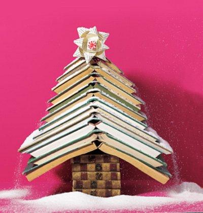 Для малой новогодней елочки книги можно открыть