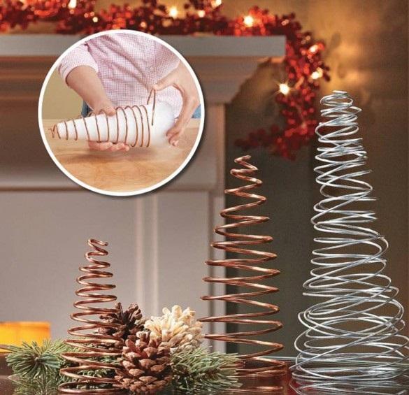 Настольные новогодние елки своими руками - на основе конусов: из проволоки
