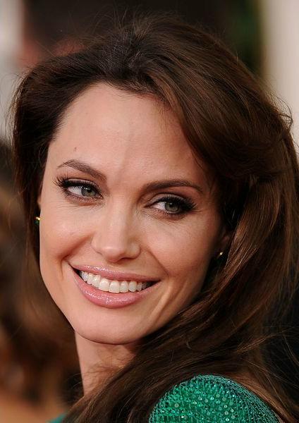Анжелина Джоли (Angelina Jolie): широкие брови