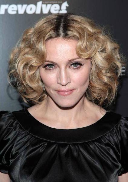 Мадонна (Madonna), темные широкие брови, высвечивание бровей