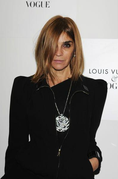 главный редактор французского журнала Вог (Vogue), Карин Ройтфельд (Carine Roitfeld), густые естественные брови