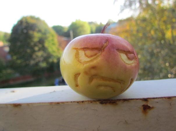 Хэллоуинский карвинг по яблокам: ты серьезно?