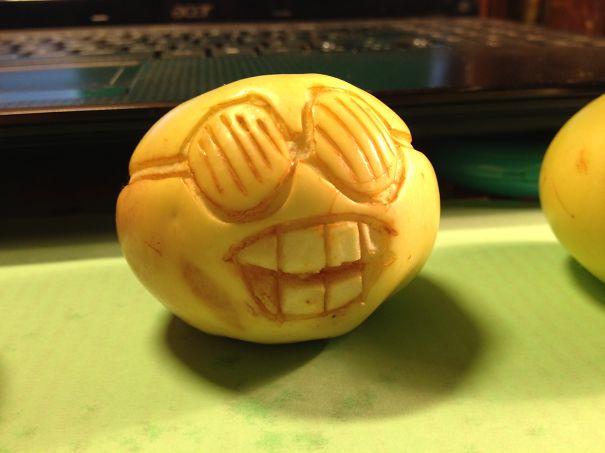Хэллоуинский карвинг по яблокам: отсталый