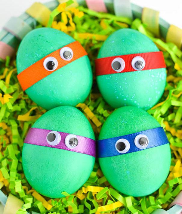 оригинальное и креативное окрашивание и декорирование яиц на Пасху: черепашки ниндзя