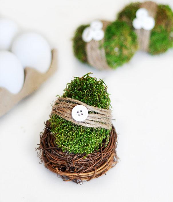 оригинальное и креативное окрашивание и декорирование яиц на Пасху: в поделочном мхе