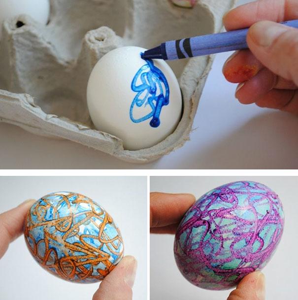 оригинальное и креативное окрашивание и декорирование яиц на Пасху: рисование расплавленным карандашом-мелком