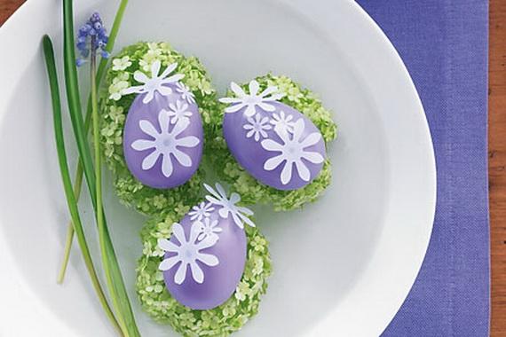 оригинальное и креативное окрашивание и декорирование яиц на Пасху: бумажные цветы