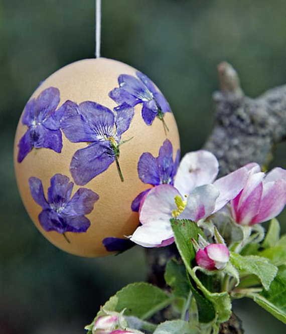 Оригинальное и креативное окрашивание и декорирование яиц на Пасху: декупаж засушенными цветами