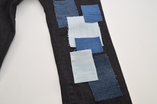 Распределите куски ткани по вещи, складывая готовый орнамент